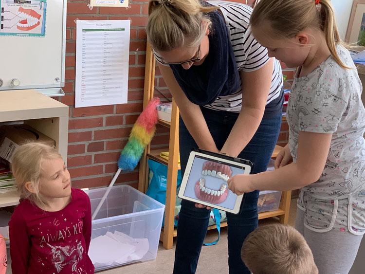 Kinder an der Kirsten Boie Schule lernen in der Projektwoche